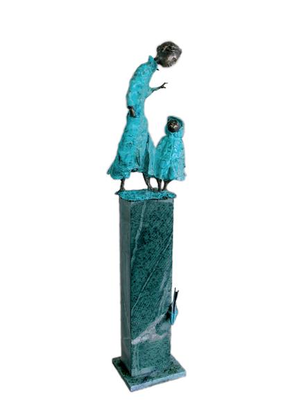 77 cm. Bronze. Edition 15 <br /><br />77 cm. Bronze. Edition 15